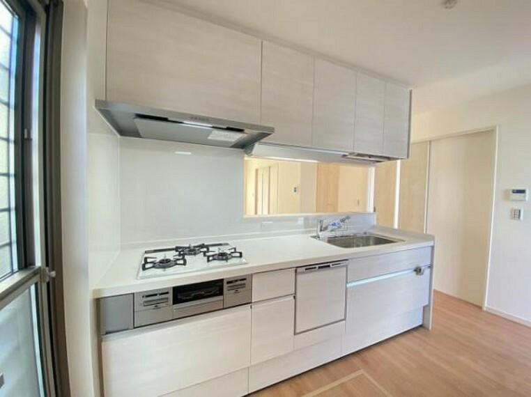 キッチン 使い勝手の良いシステムキッチンで、お料理も楽しくなりますね!