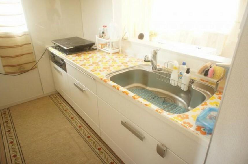 キッチン シンクも広くIH付の使いやすいキッチンになります。