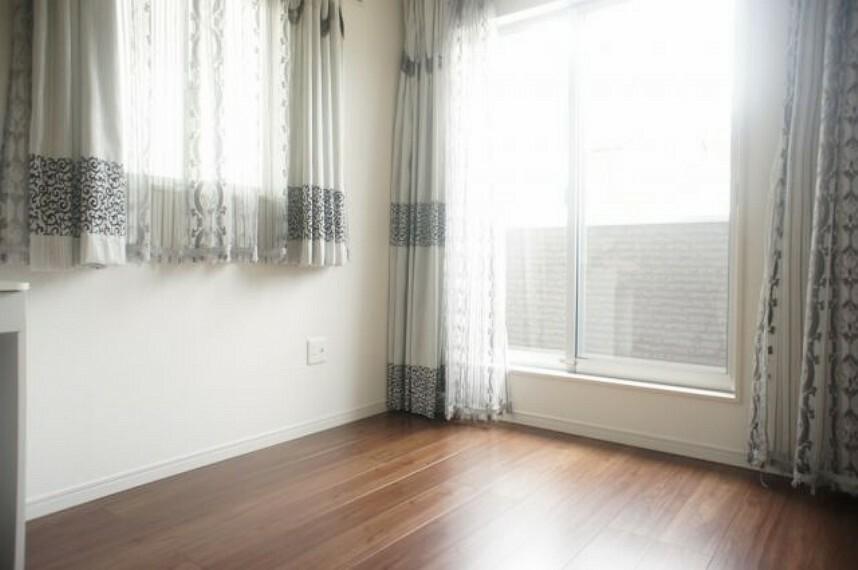 洋室 2階の洋室になります。