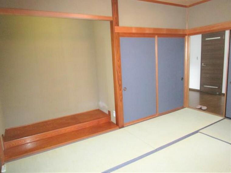 玄関 【リフォーム済】1階の和室です。畳の表替えを行い、障子、襖の張り替えを行いました。