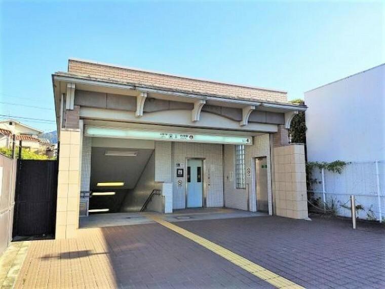 京都市営地下鉄東西線「石田駅」まで徒歩約13分(約1040m)