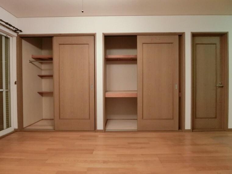 収納 収納完備で、お部屋の生活スペースが有効的に使えますね。