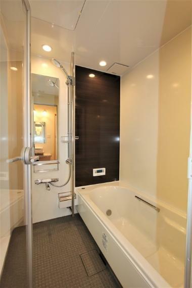 浴室 ゆったり使えるお風呂です。