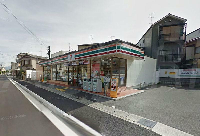 コンビニ セブンイレブン京都牛ケ瀬店