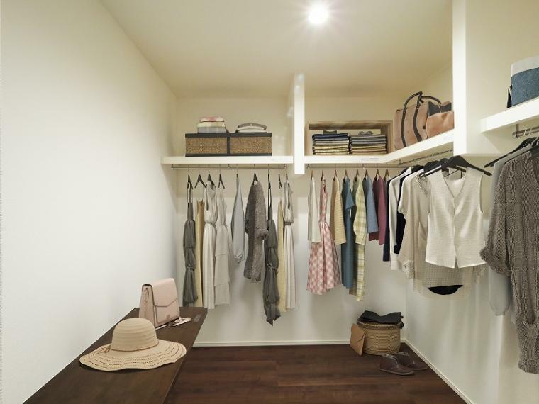 収納 大型WICは家族分の衣類もすっぽり収まる便利な収納です!【施工例】