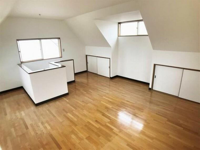 「3階洋室」3階洋室は床のワックスがけ、クロス張替えをおこないました。