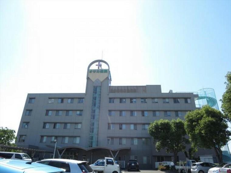 病院 オサカ病院まで2400m、車で5分です。診療科目は内科、外科、整形外科などです。