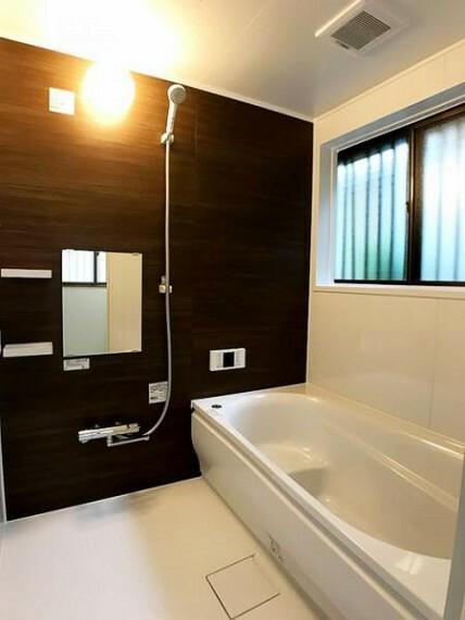 浴室 清潔感溢れる新品の浴室