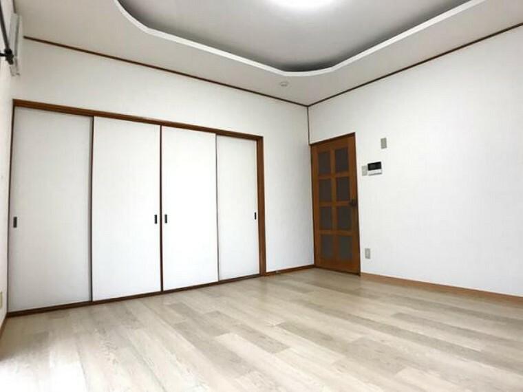1階約8帖洋室リフォーム済