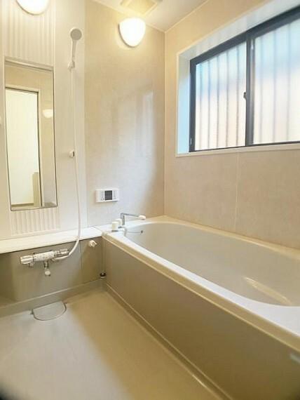 浴室 広々とした浴室