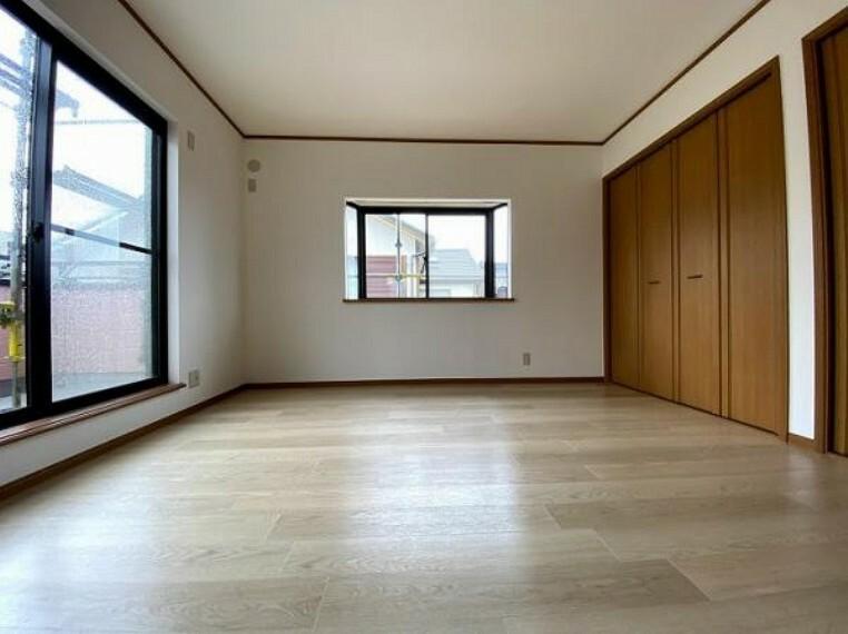 2階西側約8帖洋室