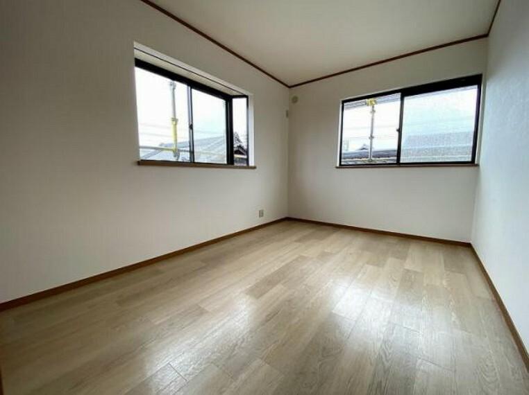 2階北東側約6.6帖洋室