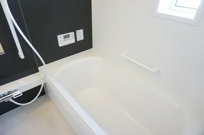 浴室 同社施工イメージ。 写真は実際とは異なる場合がございますが、同社・同仕様を内覧し体感できるお部屋をご紹介可能です。 先に同社物件を見ることで、少しでも長く検討時間を確保できます!