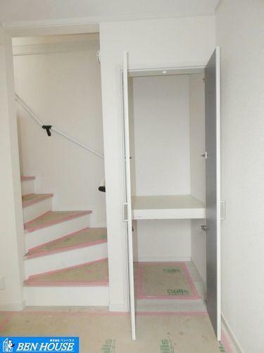 収納 階段横収納