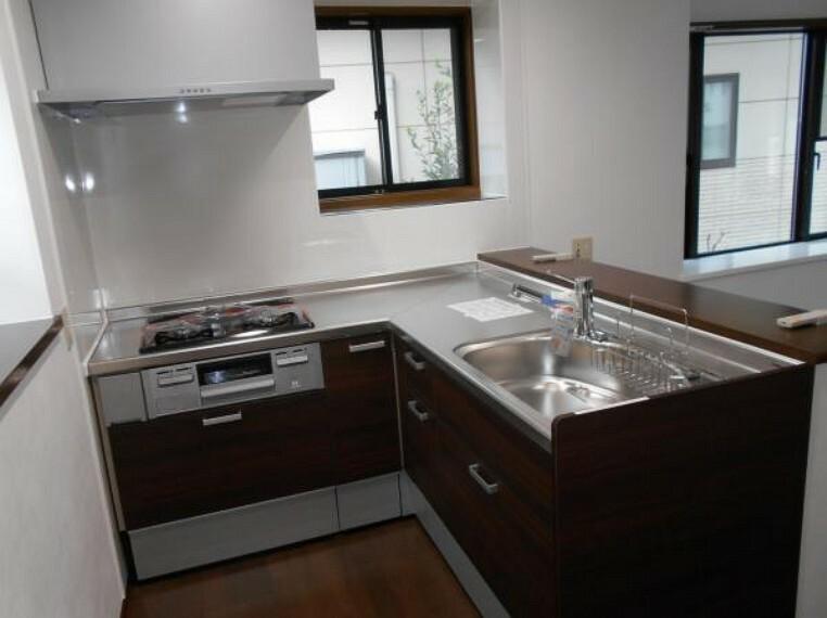 キッチン 【キッチン】L型で家事動線を最短にし、調理も楽々!(新品交換済)