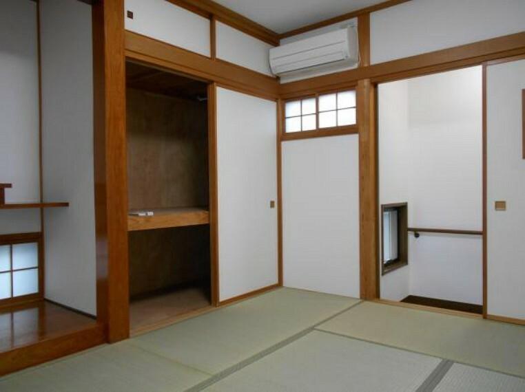 現況写真 【和室】中二階部分に配置。客間としてはもちろん、くつろぎスペースにも〇