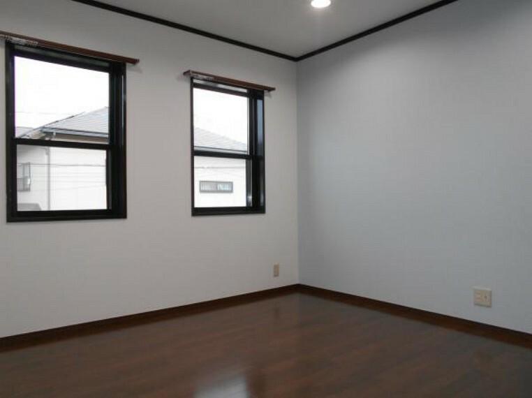 【洋室】子供部屋や趣味の部屋としてもぴったりの一室。