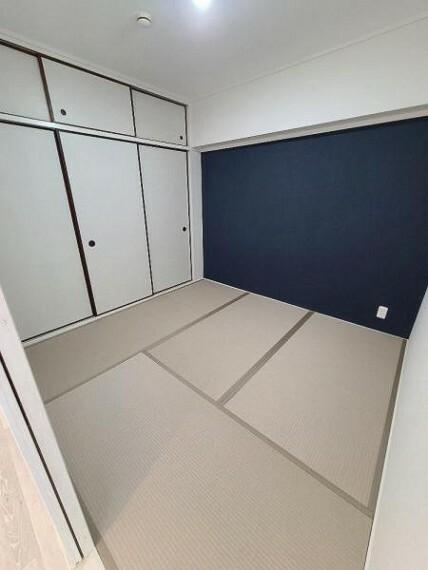 和室4.5帖:柔らかい畳の上なら、小さなお子さまを遊ばせるのも安心ですね!