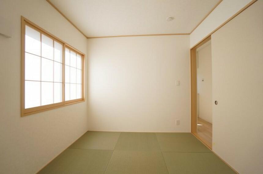 和室 ちょっとした来客用に客間としても大活躍の和室