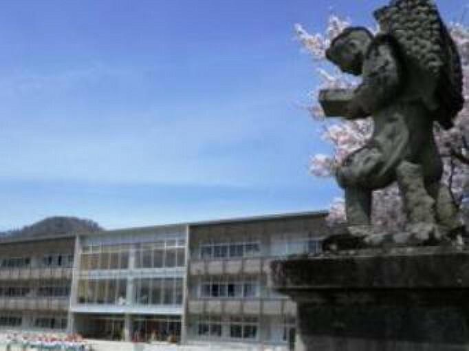 小学校 【小学校】甲府市立相川小学校まで1525m
