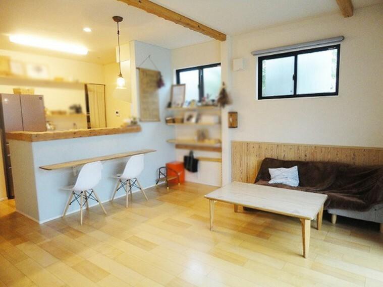 居間・リビング オープンキッチンだから家族とコミュニケーションしながらキッチンワークもはかどります
