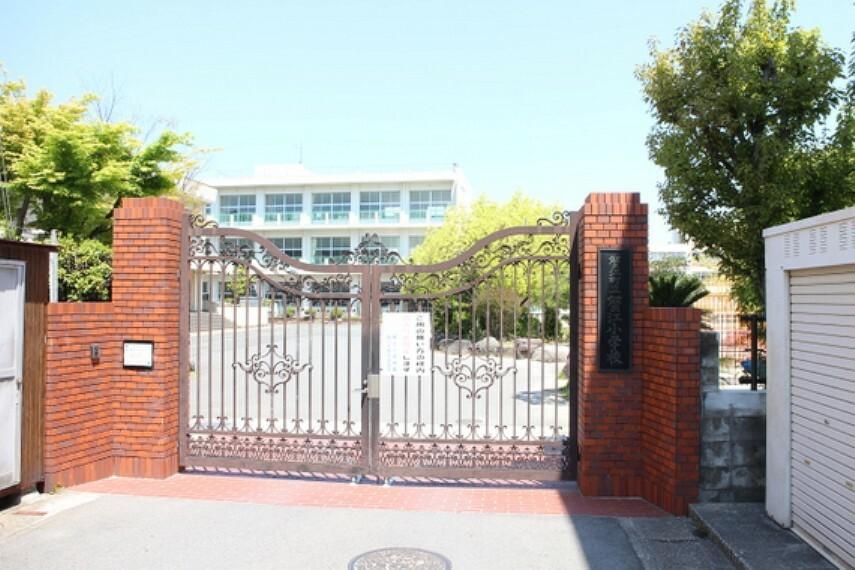 小学校 蟹江小学校まで徒歩約5分。(約350m)