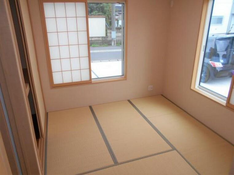 【和室】客間としてはもちろん、お子様との遊び場にもぴったりな和室。