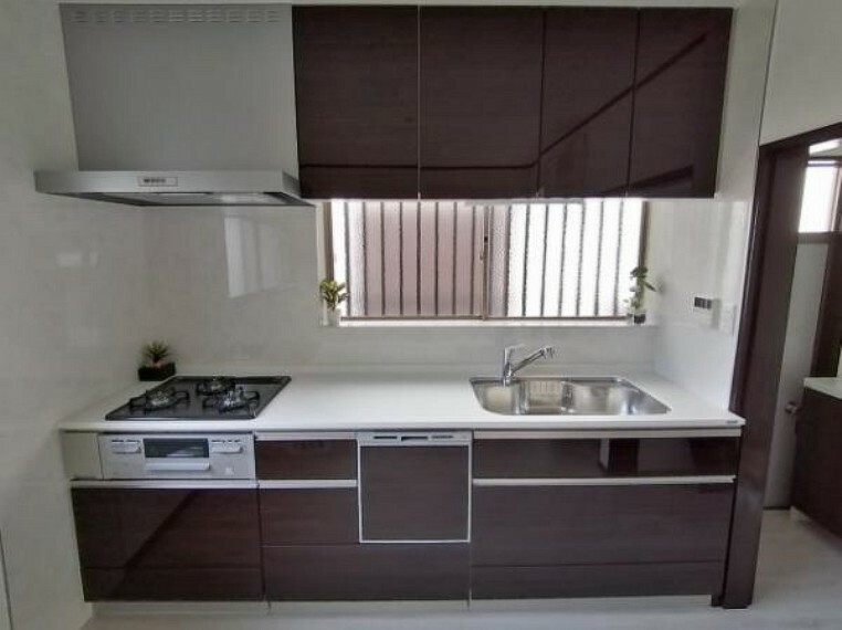 キッチン 食洗機付きのキッチンで洗い物も楽々