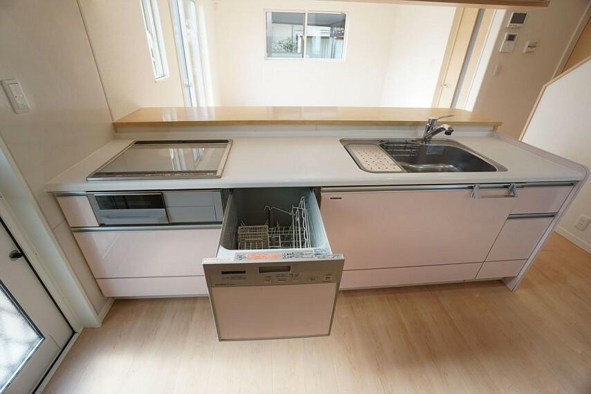 キッチン  IHクッキングヒーターに食洗器付きです