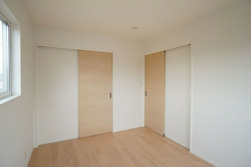 洋室  主寝室にも子供部屋にもぴったりな洋室 広々ウォークインクローゼット付きです