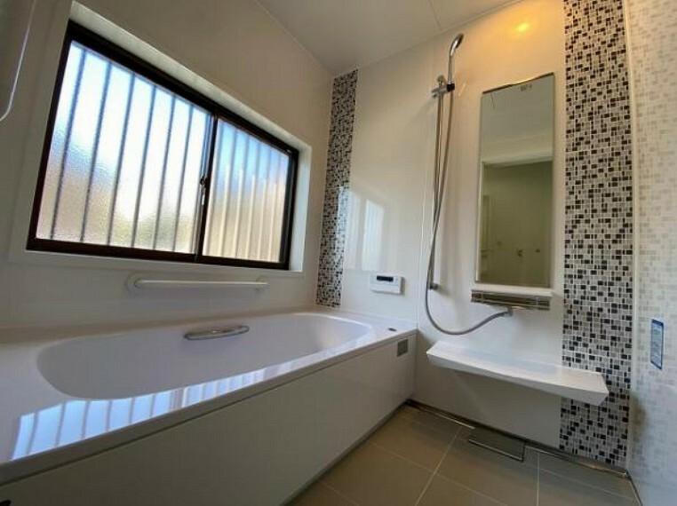 浴室 浴室にも窓があり、換気もバッチリ