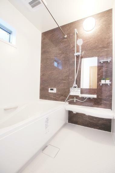 浴室 新築施工事例です。詳しい設備や仕様についてはお問合せください!資料を郵送やメールにてご対応可能です。