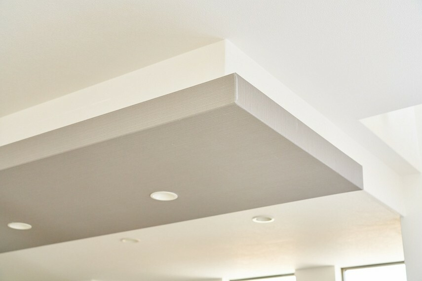構造・工法・仕様 天井アクセントクロス  空間のアクセントとなり趣を与える天井クロス。