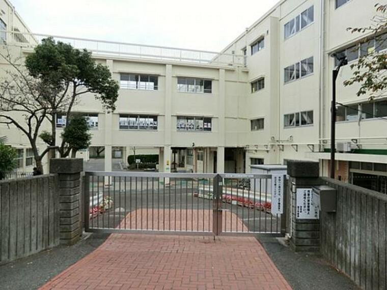 小学校 横浜市立洋光台第一小学校 約900m