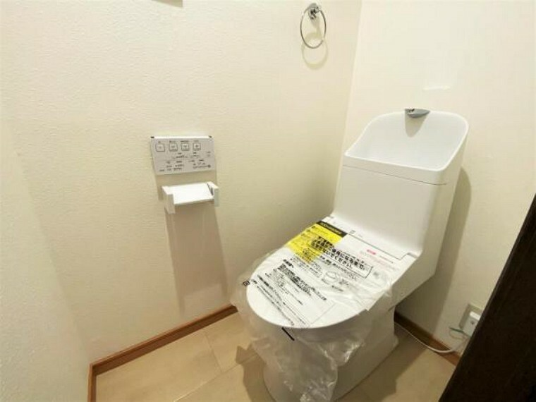 トイレ 1F トイレ 新規交換済 ご入居時から気持ちよくお使いいただけます