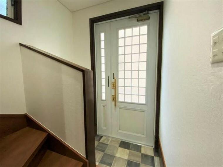 玄関 城を基調とした玄関