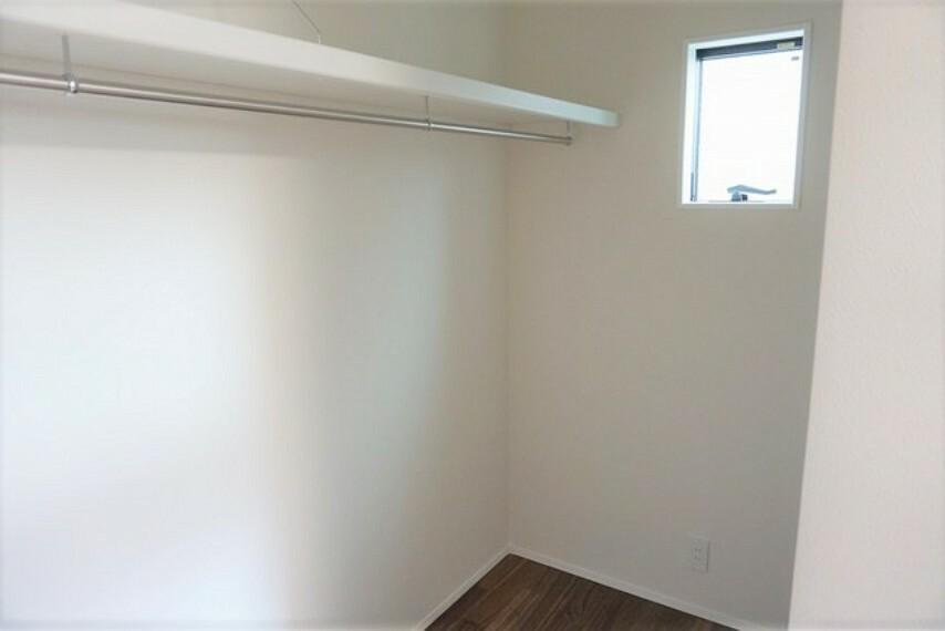 収納 6帖の洋室には、広々WICが付いてます^^お荷物が多くなっても安心の設計です。