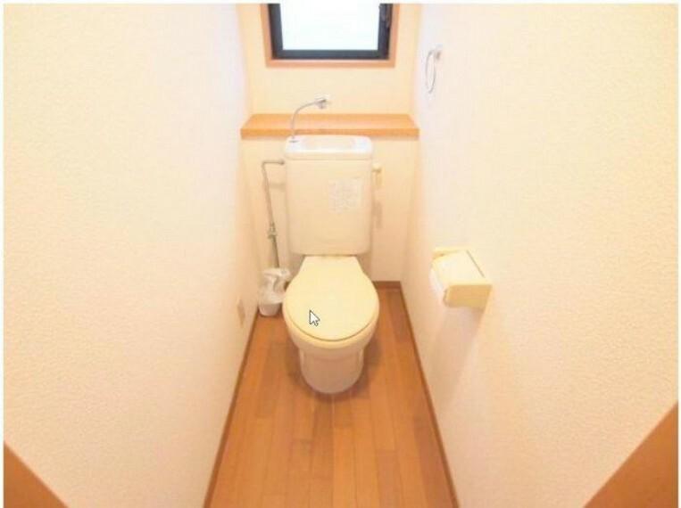 トイレ 水廻りは全て窓付きです!