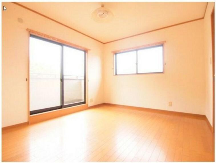洋室 2階7帖の寝室です
