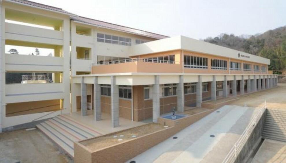 小学校 東広島市立八本松小学校