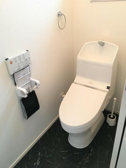 トイレ お掃除のしやすいシンプルなトイレ