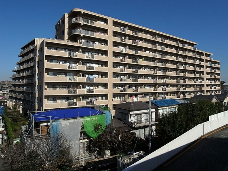外観写真 平成14年9月築、総戸数229戸のビッグコミュニティ