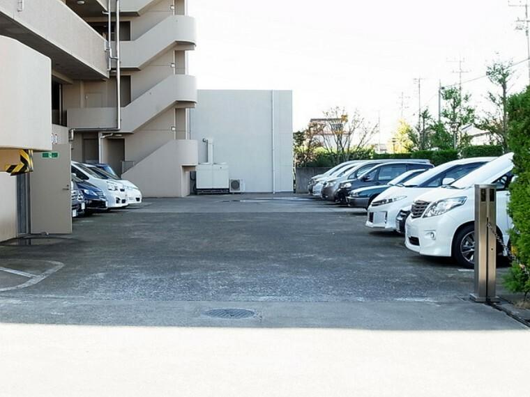 駐車場 敷地内駐車場100%完備
