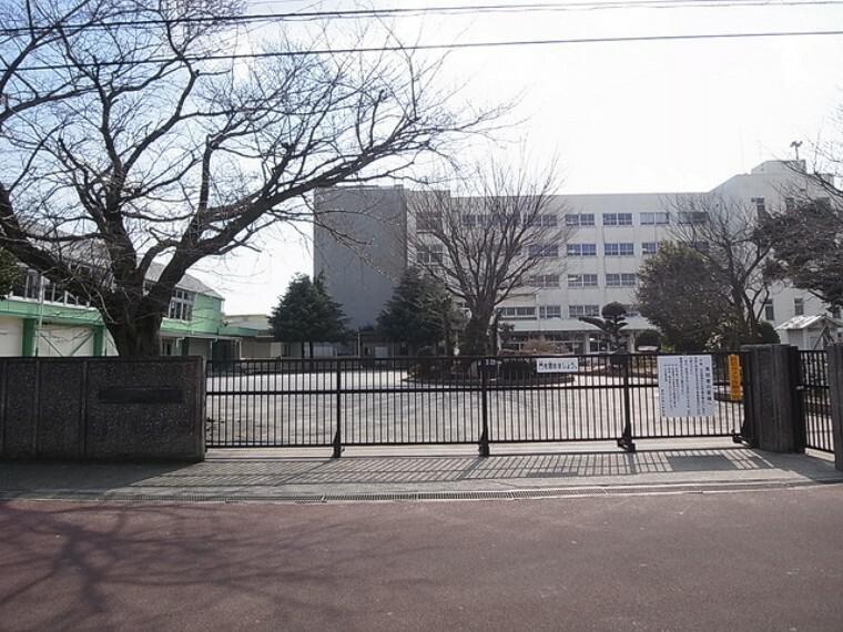 小学校 (船橋市立薬円台南小学校)徒歩4分