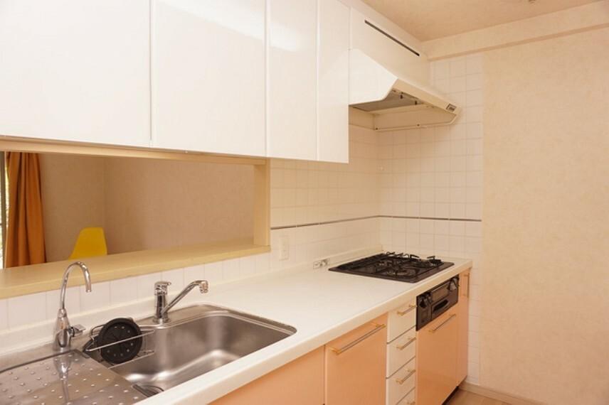 キッチン 浄水器付きのシステムキッチン