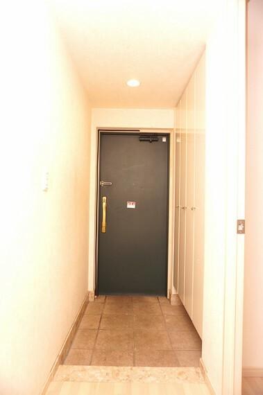 玄関 収納量豊富な玄関