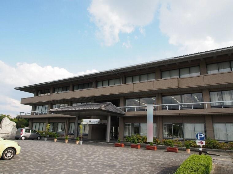 役所 田原本町役場