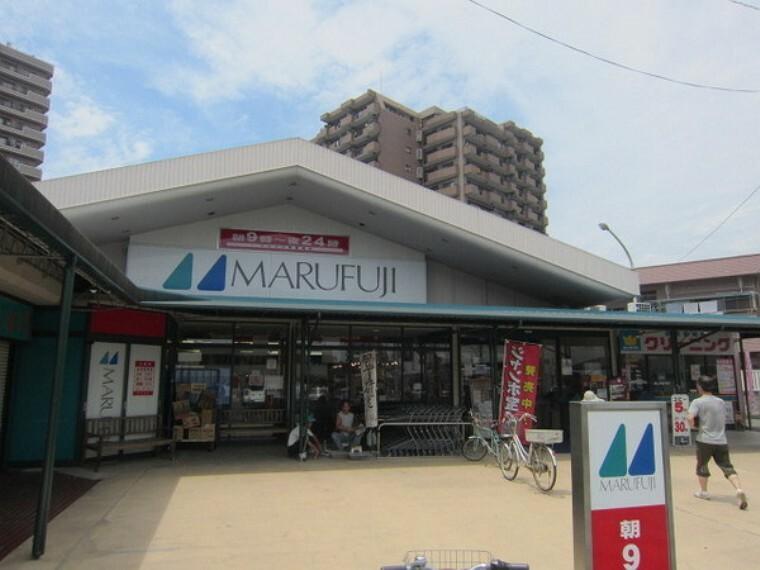 スーパー マルフジ東青梅店