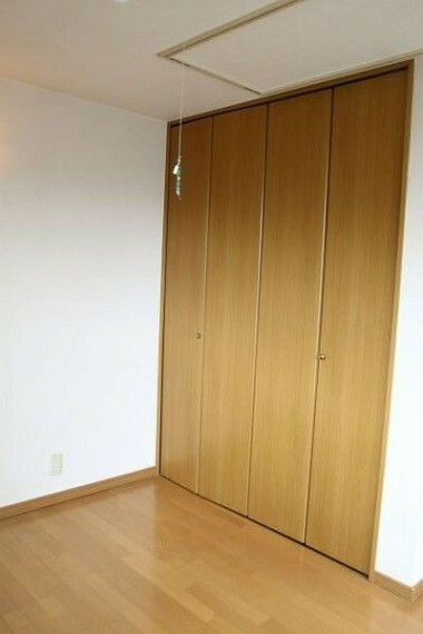 収納 たっぷり収納できるクローゼット。 お部屋が広く使えます。