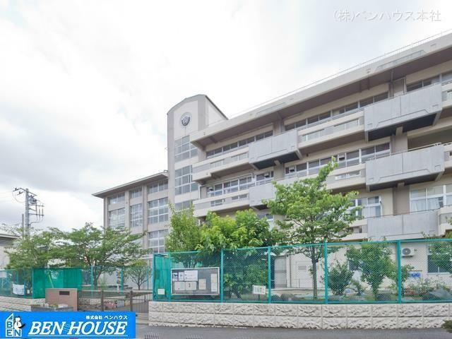 小学校 横浜市立杉田小学校 距離1430m
